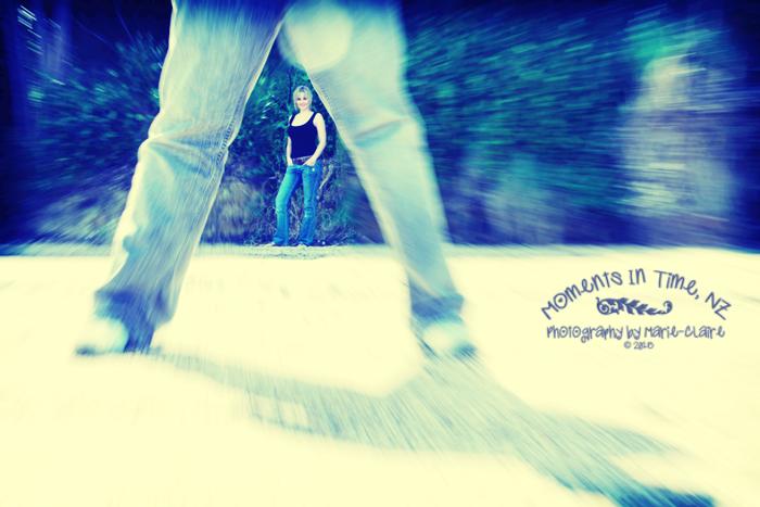 Caitlin & Blake Legs Frame LR CR